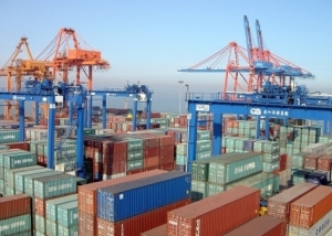 Whats the difference between shipping agent and freight forwarder?